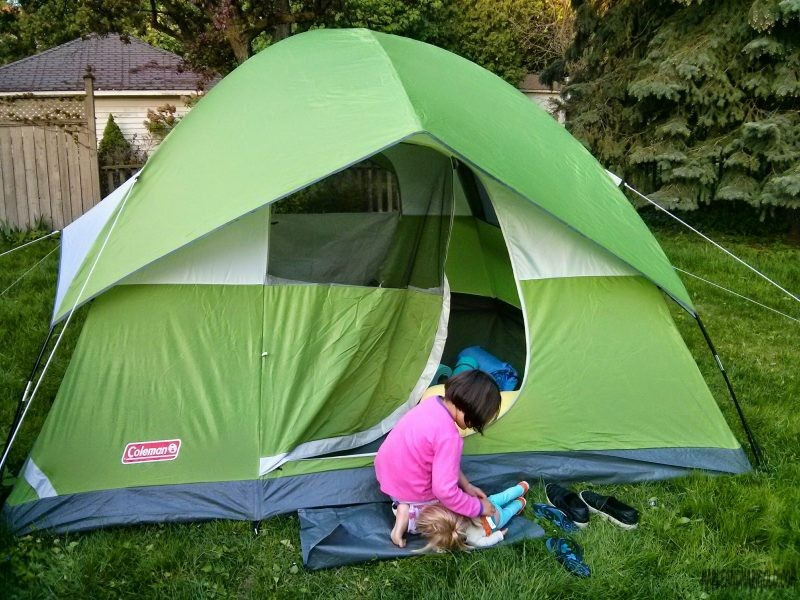 Backyard Camping with Kids | Kids Activities | utdoors with Kids | Canada Day Activities | MapleandMarigold.com