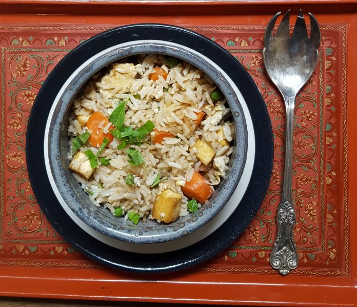 #CleanYourFridge Easy Fried Rice Recipe | Vegetarian with Tofu | Nourishing Fast food at it's best | Quick and easy weeknight Dinner | MapleandMarigold.com