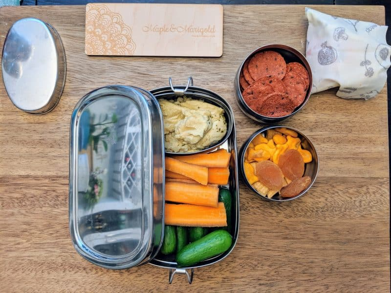 Tips to pack an easy and sustainable lunch box | Packing School Lunches | Maple and Marigold